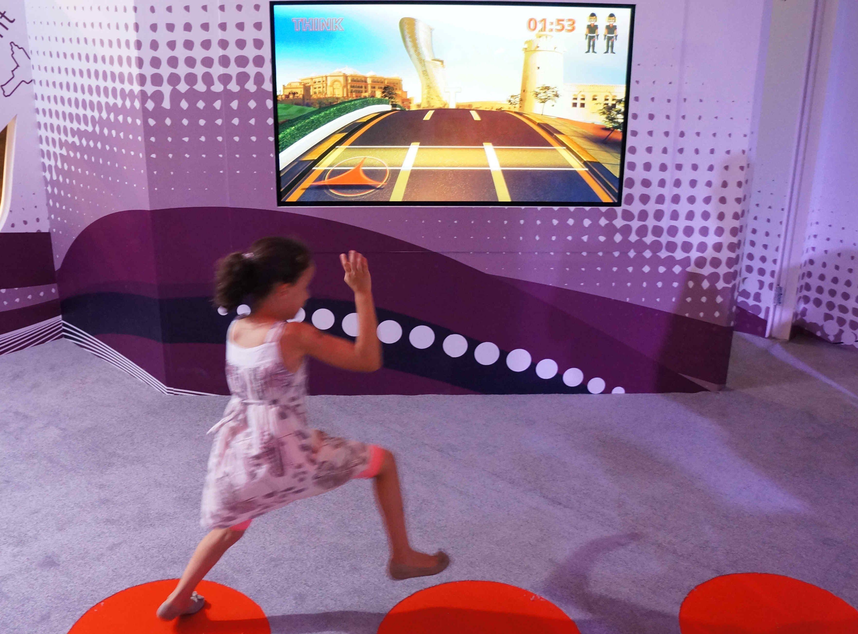 Über Bodensensoren Virtual Reality Anwendungen steuern